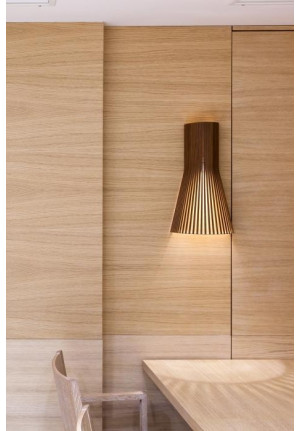 Secto Design Secto 4231 walnut with direct wall mounting